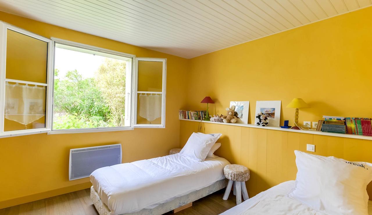 sainte-marie-ile-de-re-villa-twin-bedroom-1
