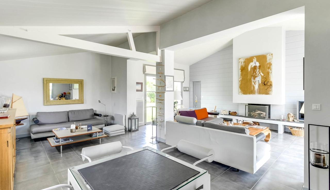 sainte-marie-ile-de-re-villa-living-room