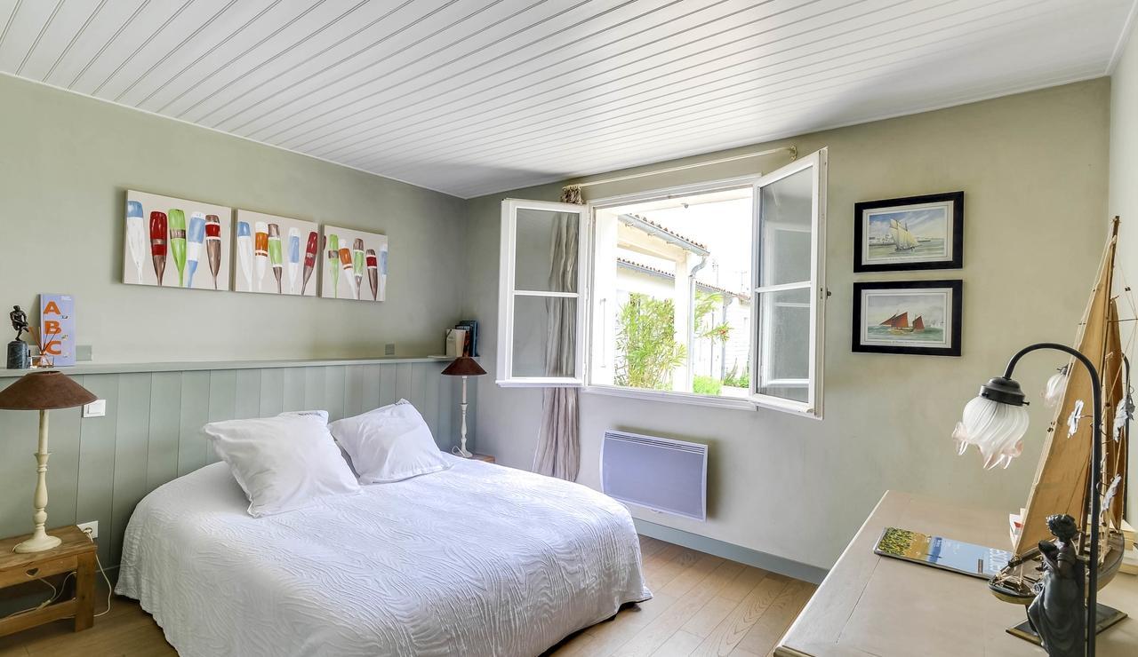 sainte-marie-ile-de-re-villa-bedroom-1