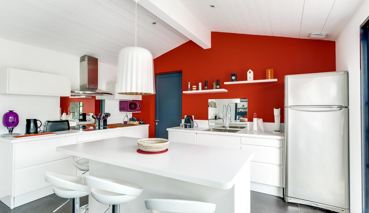 les-portes-en-re-villa-kitchen-2