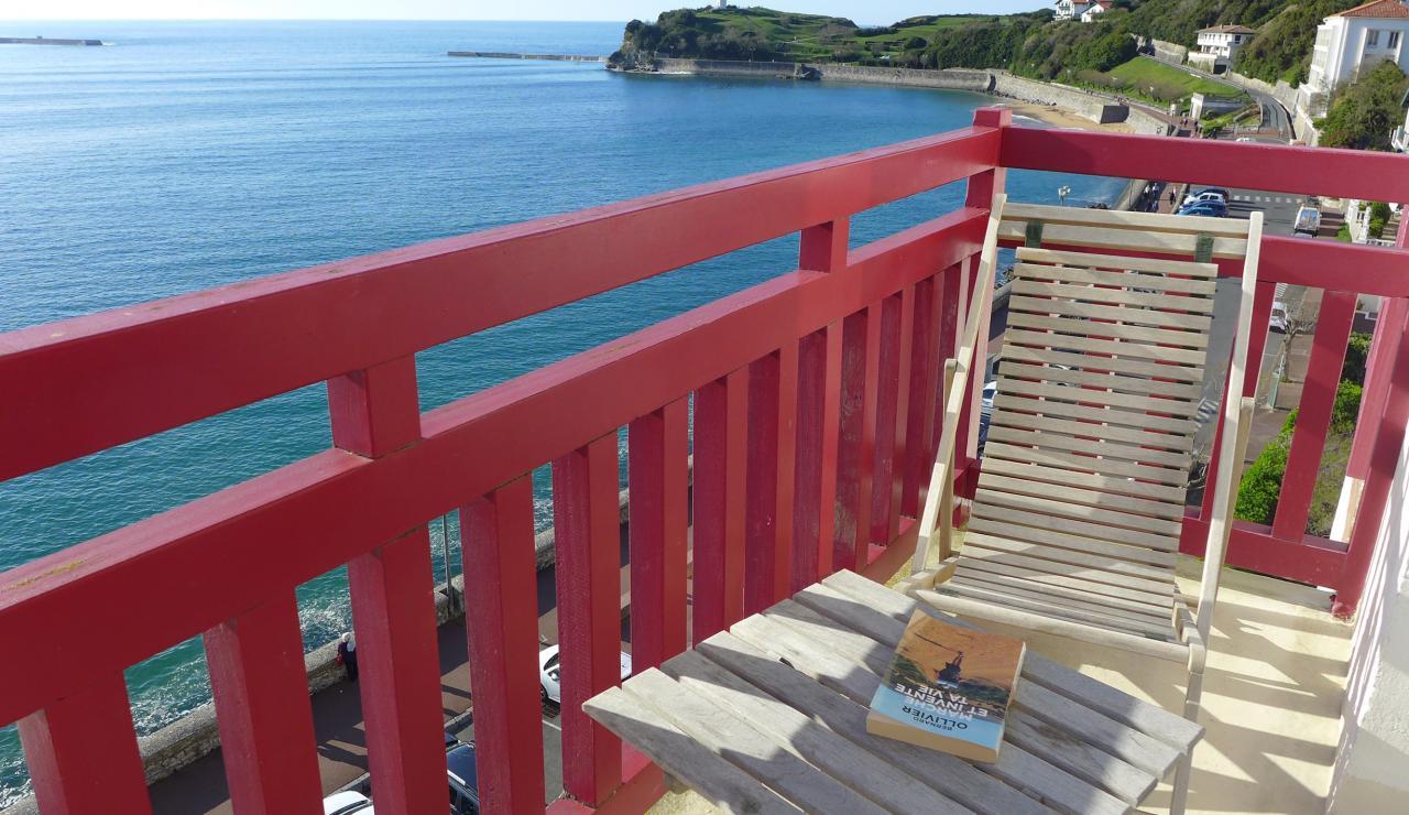 st-jean-de-luz-bay-view-apartment-balcony-2
