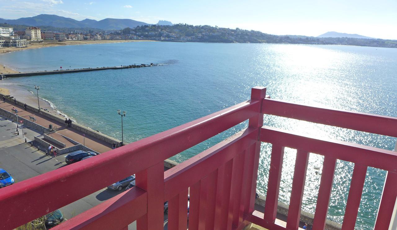 st-jean-de-luz-bay-view-apartment-balcony