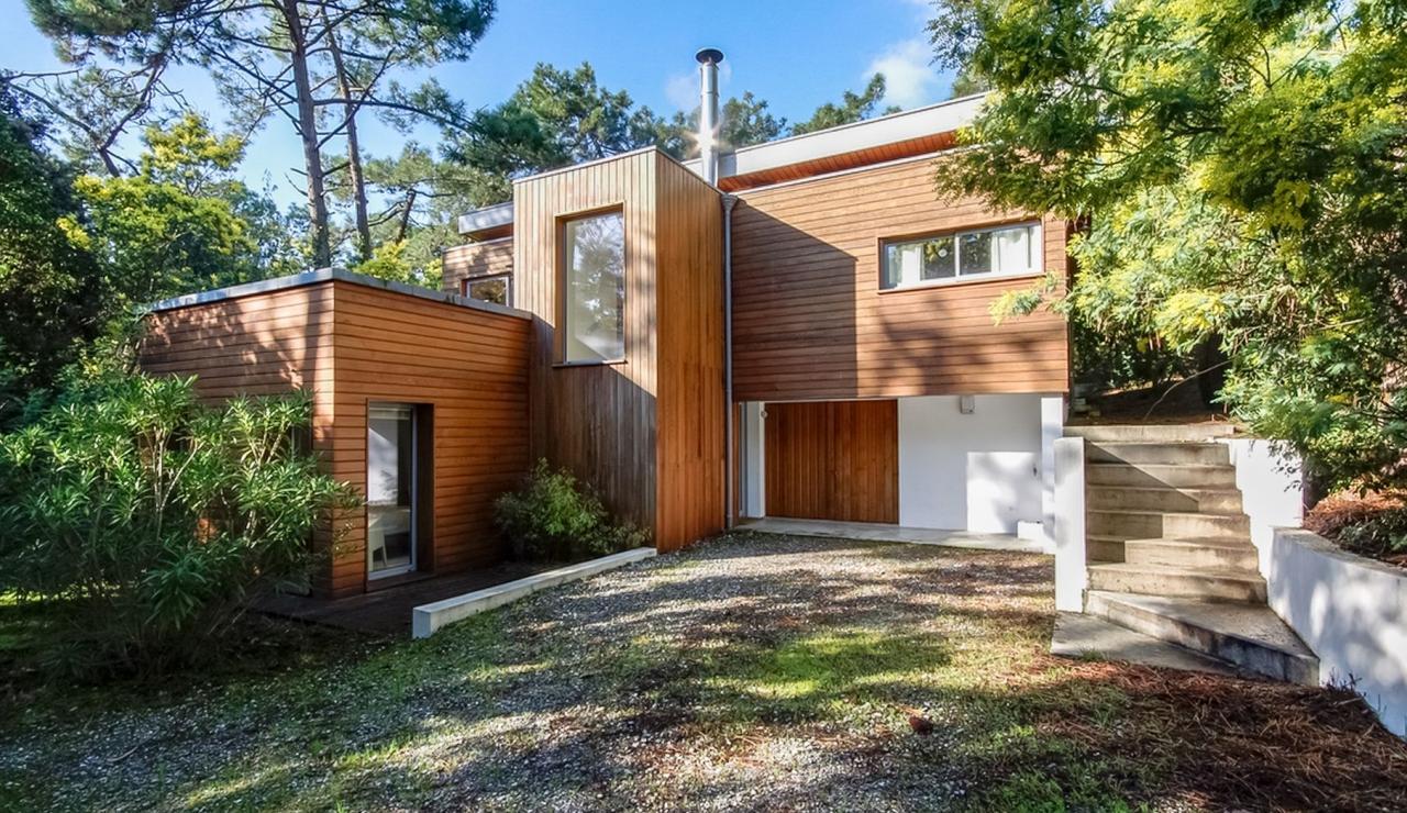 cap-ferret-walk-to-beach-house-front