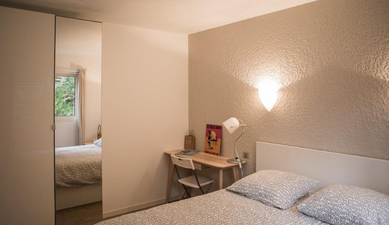 hossegor-beach-villa-heated-pool-double-bedroom-2