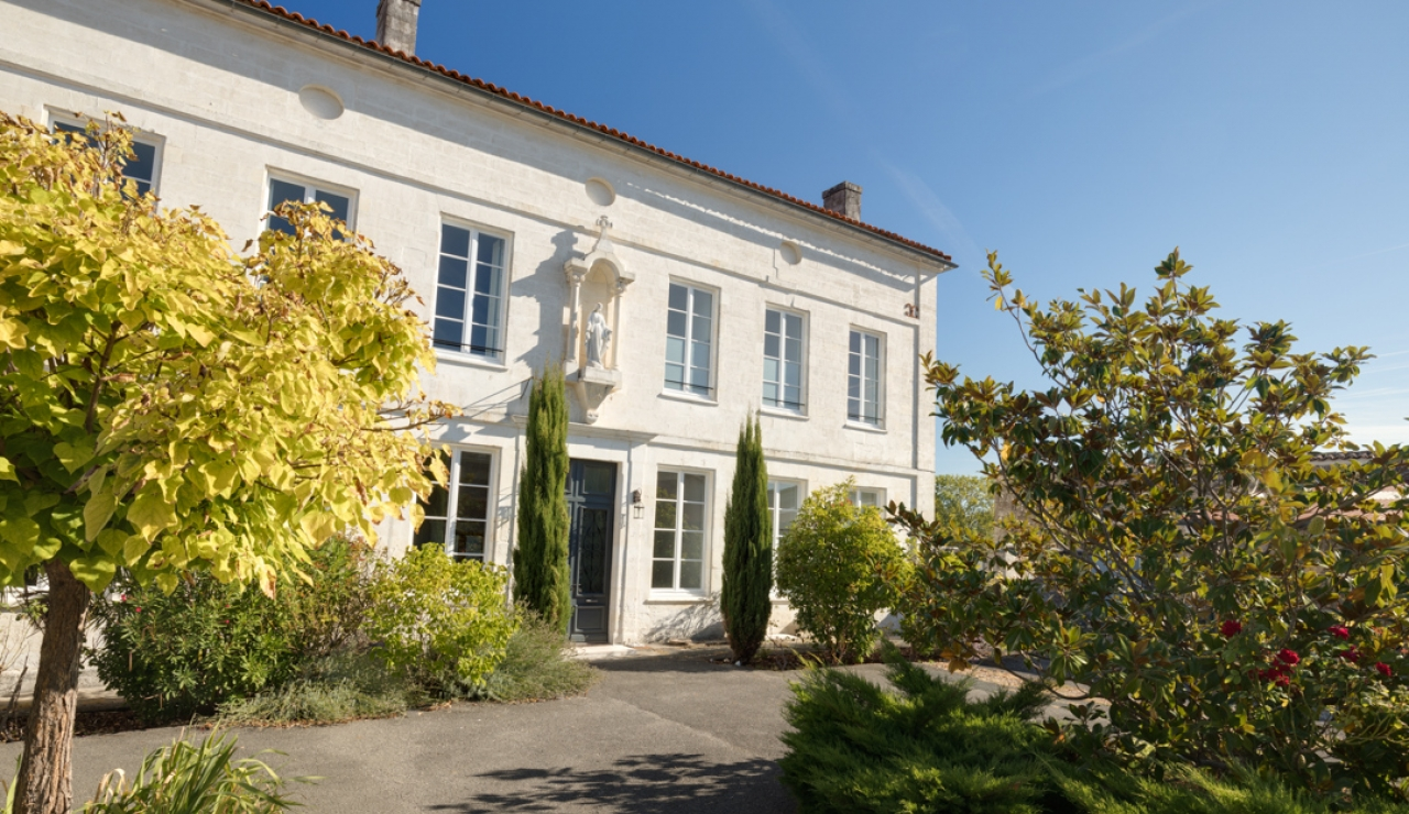 charente-maison-de-maitre-7-bedroom-holiday-villa