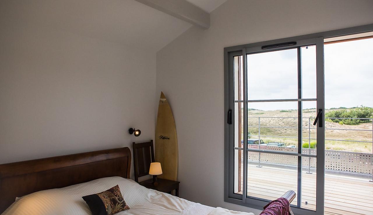 la-piste-beach-house-bedroom-2