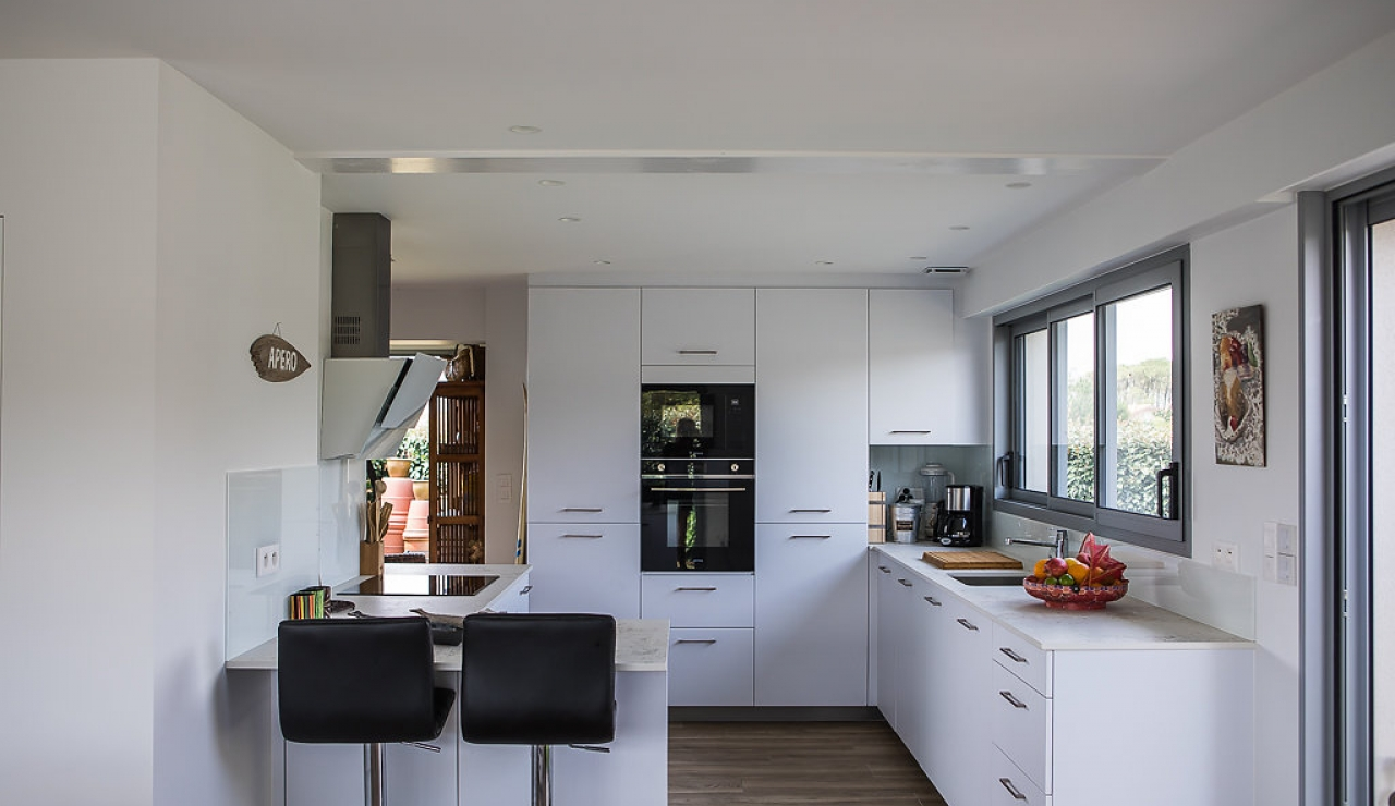 la-piste-beach-house-kitchen-2