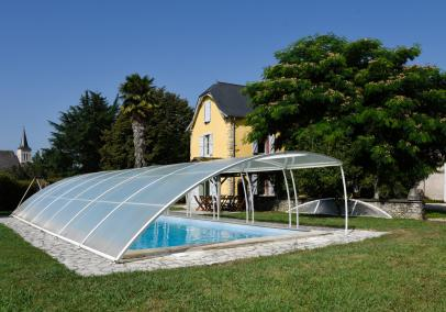 Maison Lassalle cottage with pool Navarrenx