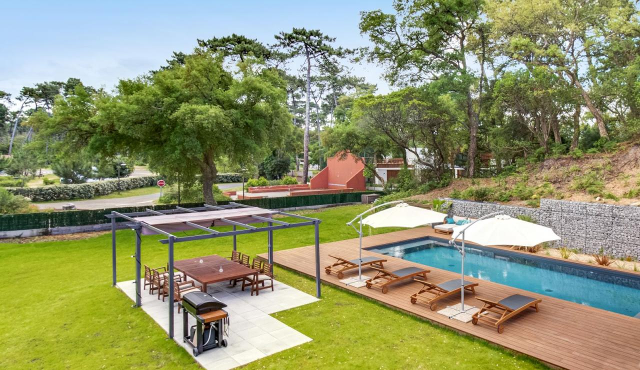 hossegor-design-villa-with-pool-garden