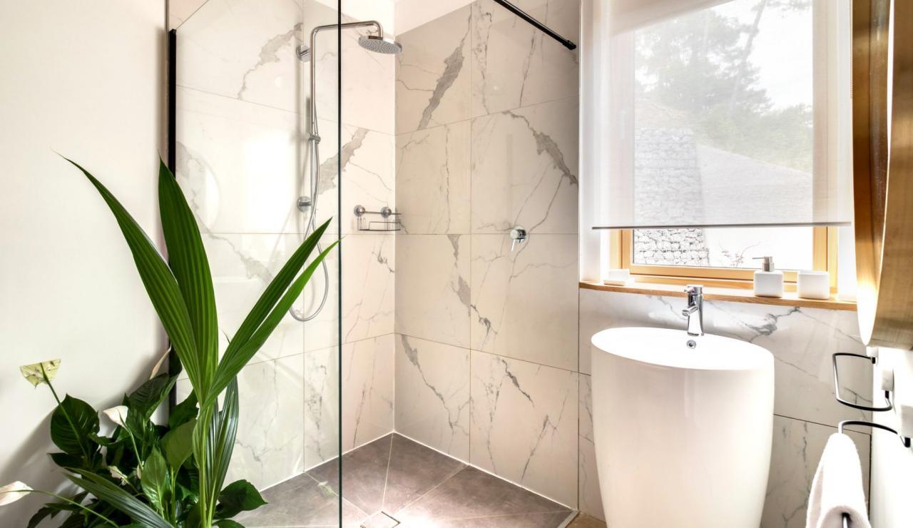 hossegor-design-villa-with-pool-bathroom-1