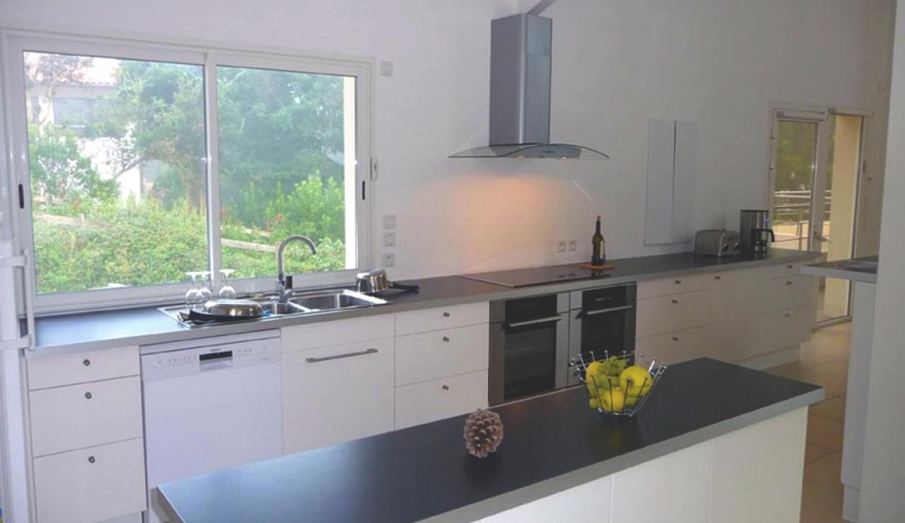 villa-kitchen-area