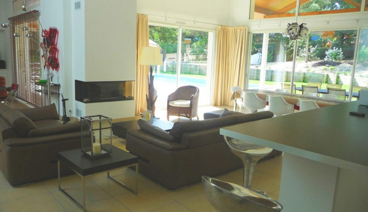 villa-living-area