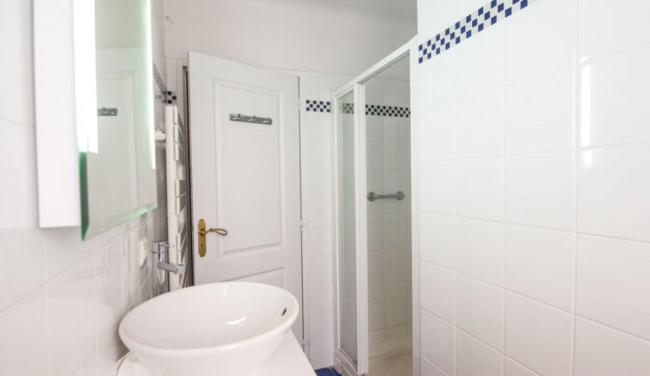 villa-chiberta-shower-room