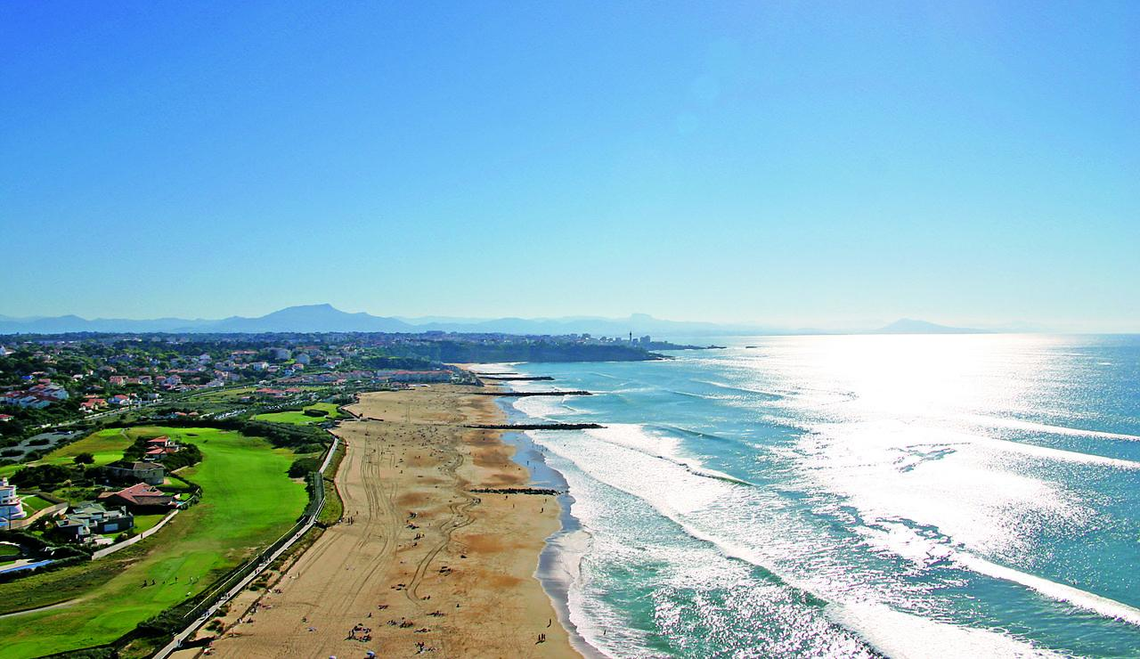 stunning-anglet-france-beaches