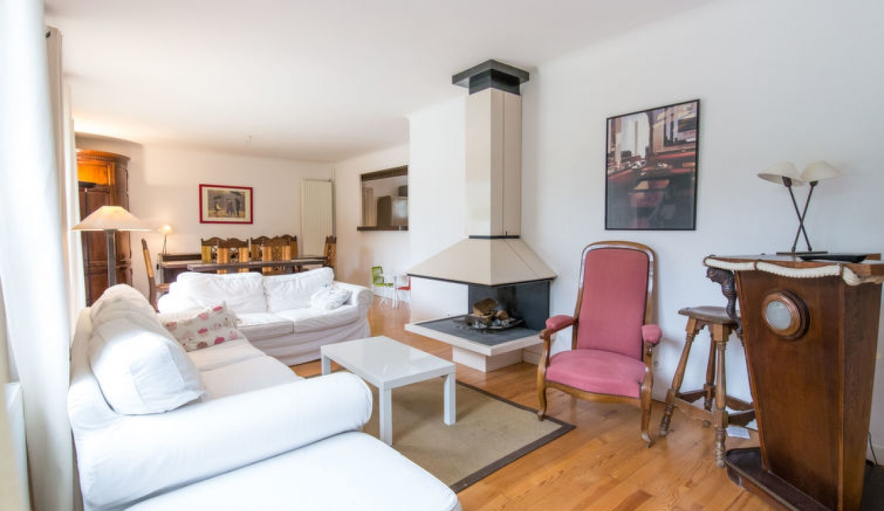 villa-chiberta-living-room