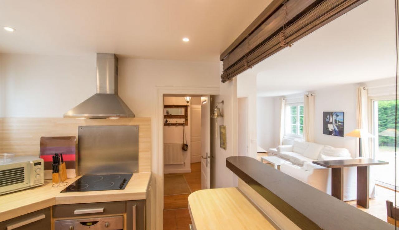 villa-chiberta-living-room-kitchen