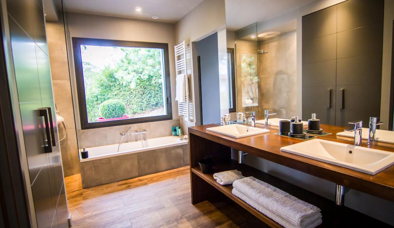 hossegor-villa-zen-bathroom-1