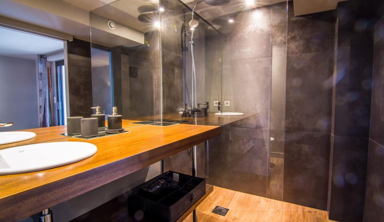 hossegor-villa-zen-bathroom-2