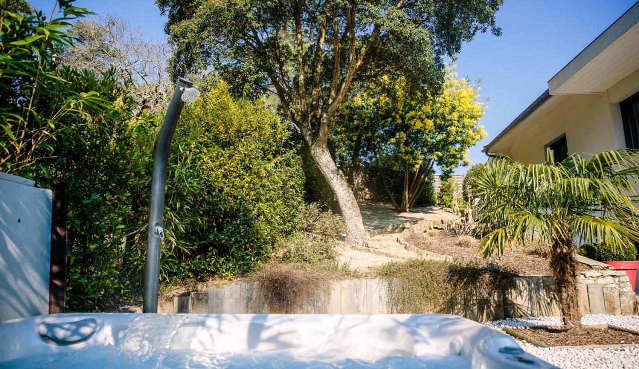 hossegor-villa-zen-hot-tub-and-garden