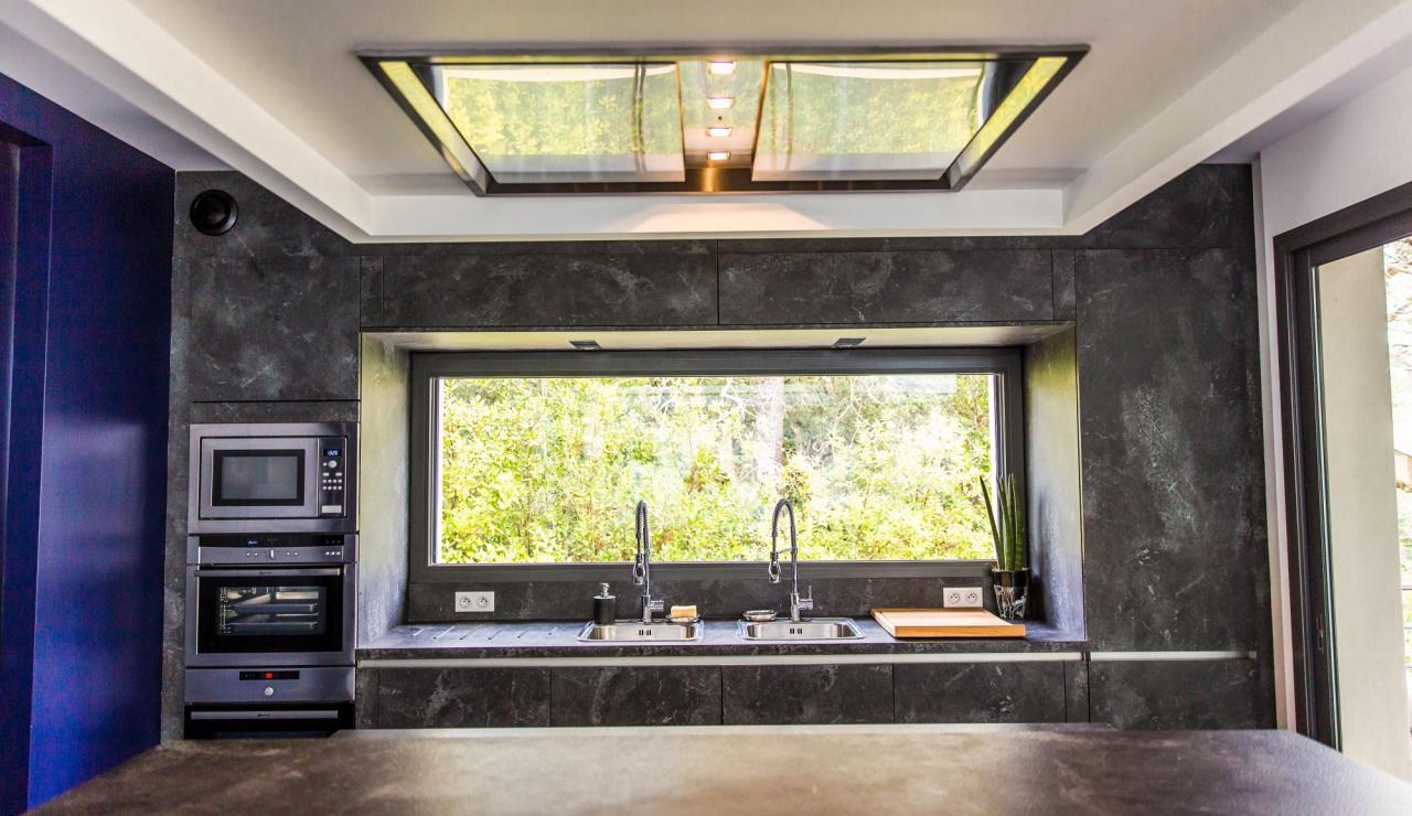 hossegor-villa-zen-kitchen