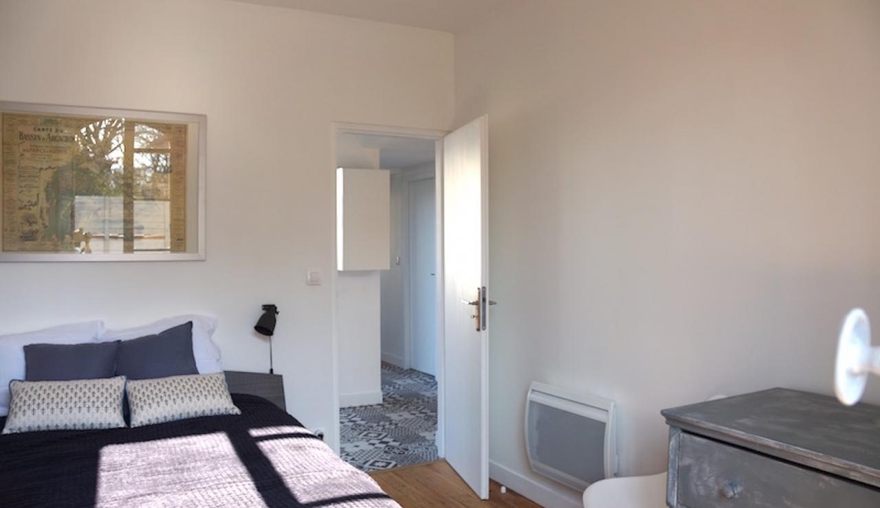 pereire-arcachon-villa-with-pool-double-bedroom-one-2