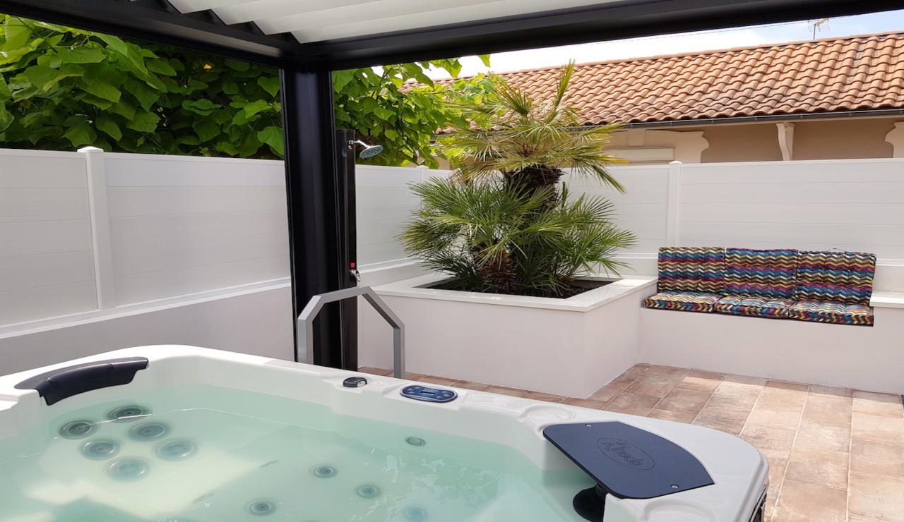 arcachon-walk-to-beach-villa-hot-tub-2