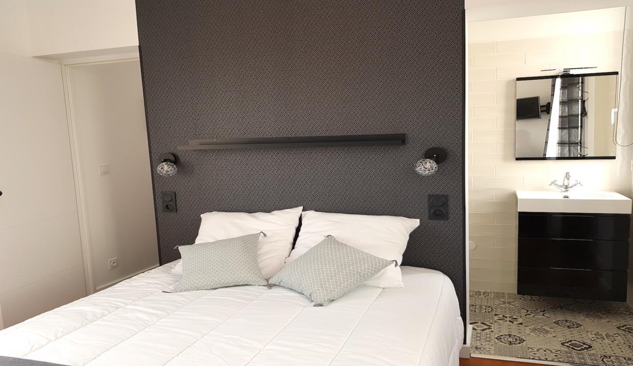 arcachon-walk-to-beach-villa-bedroom-1