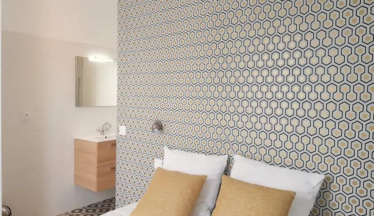 arcachon-walk-to-beach-villa-bedroom-2