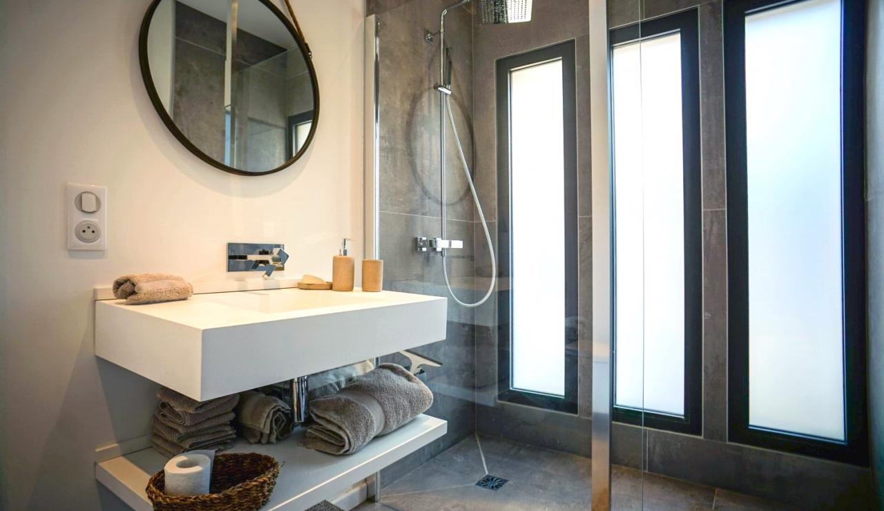 luxury-beach-villa-hossegor-france-bathroom-2