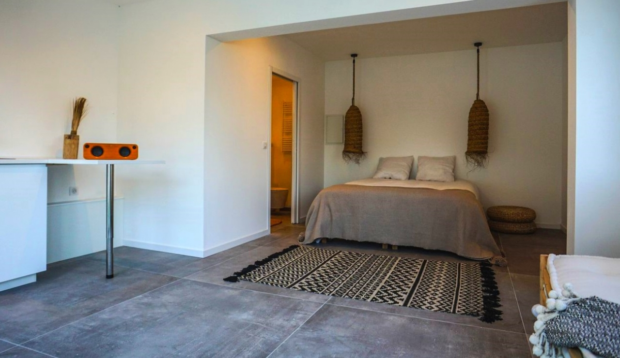 luxury-beach-villa-hossegor-france-bedroom-4