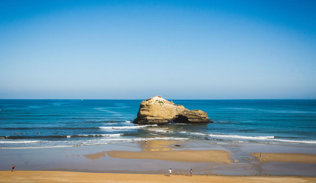 luxury-biarritz-apartment-with-ocean-views