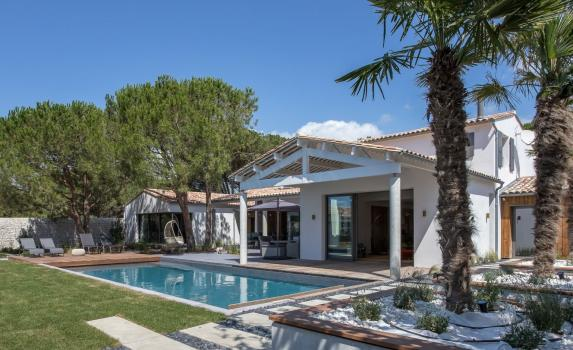 Luxury Ile de Ré villa with pool