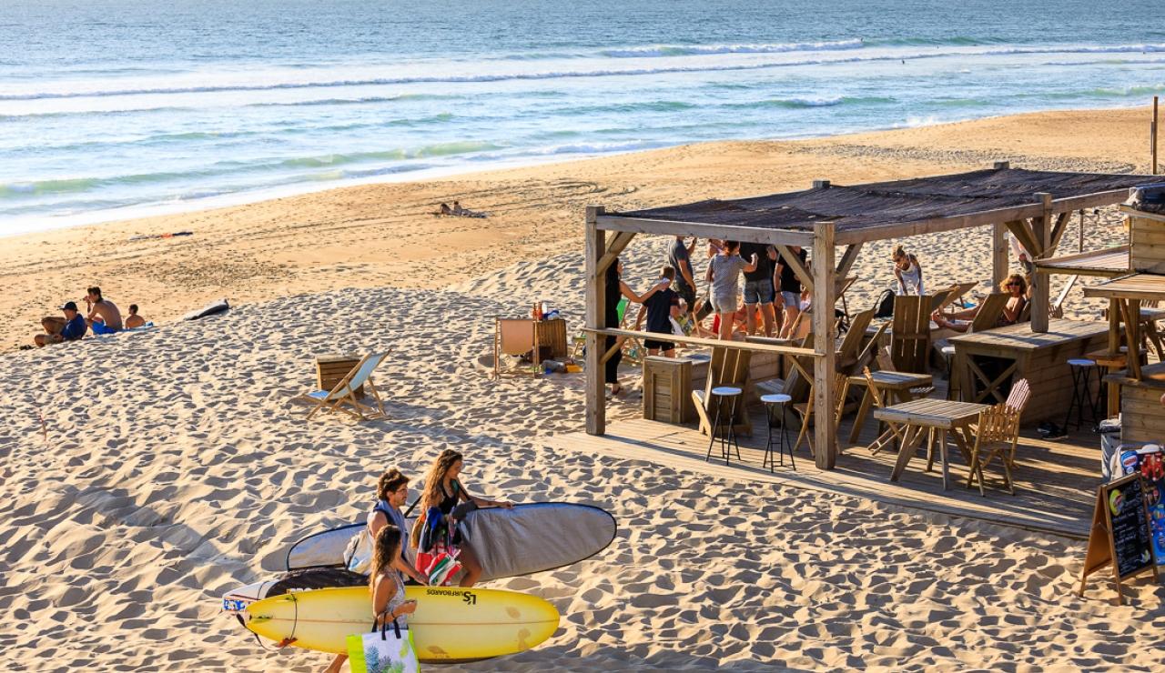 la-graviere-beach-cabane
