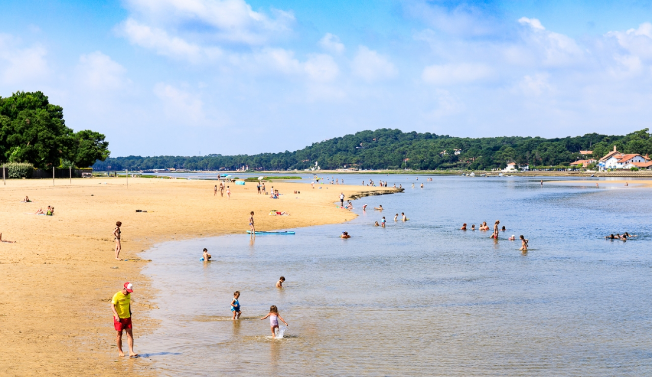 hossegor-lake-beach-ideal-for-young-children