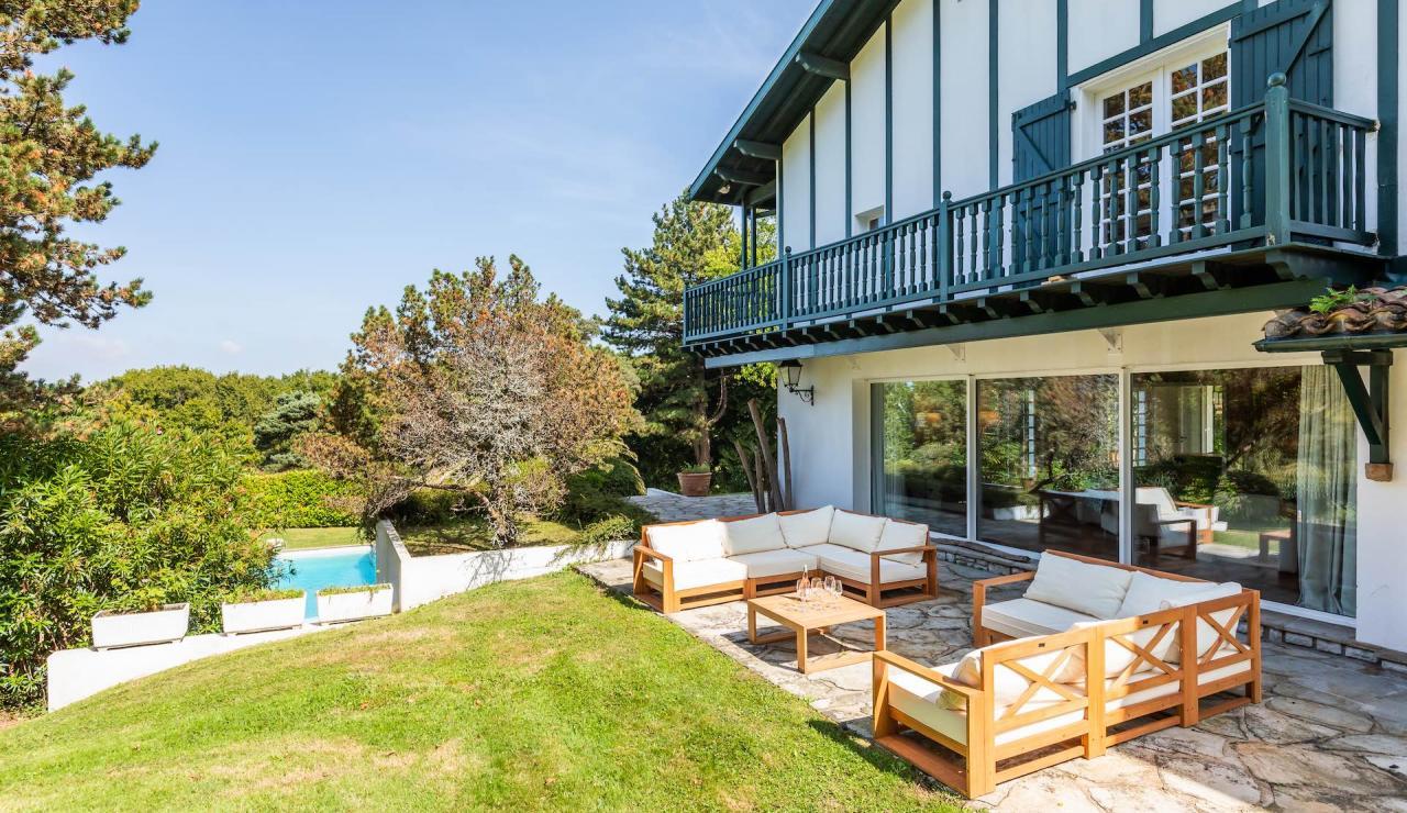 villa-mendi-basque-country-holiday-villa