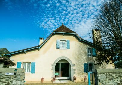 Basque Country villa near Pyrenees with pool | Maison Oloron