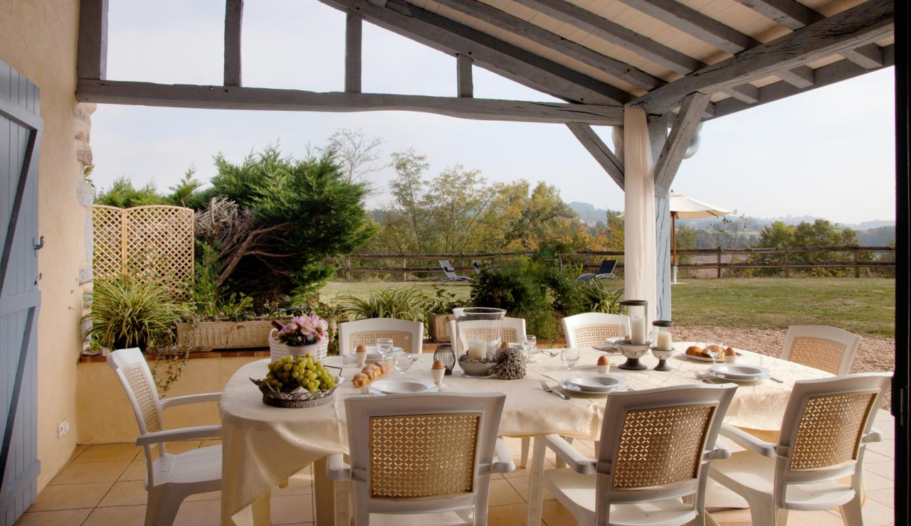 outdoor-dining-area