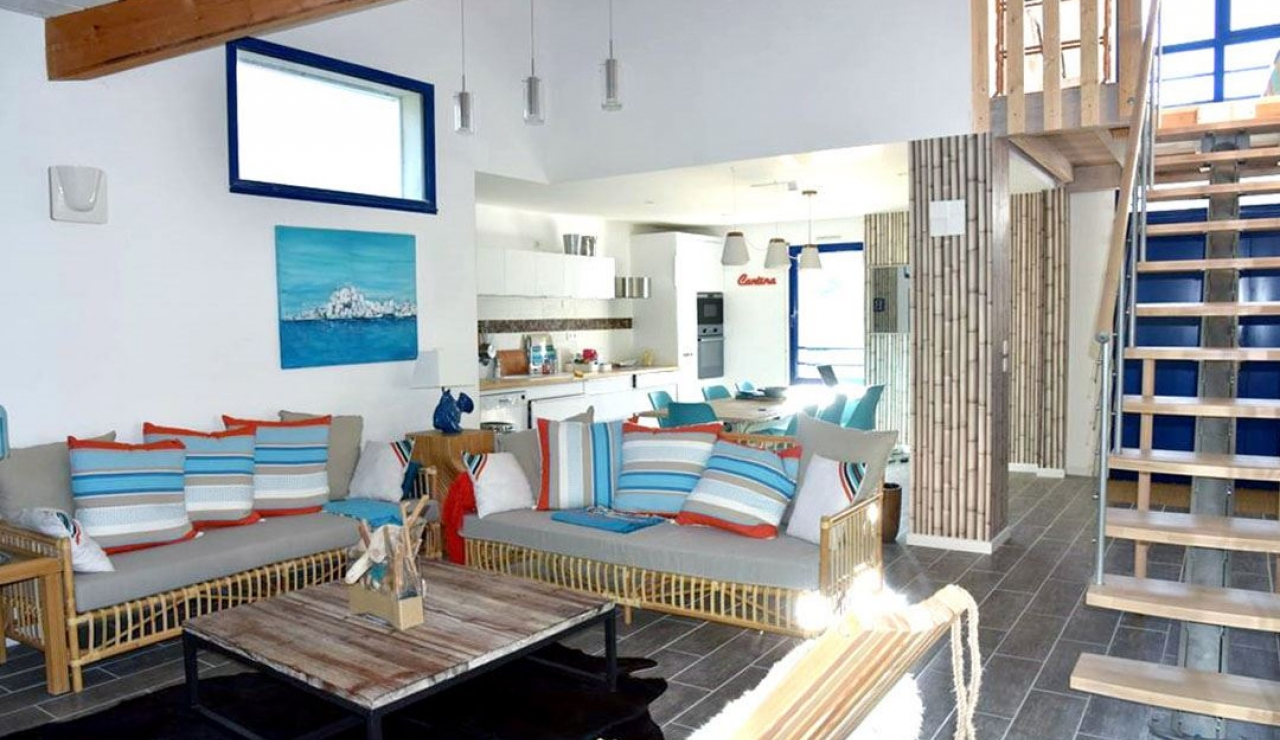 stylish-walk-to-beach-villa-with-pool-moliets-plage-living-room