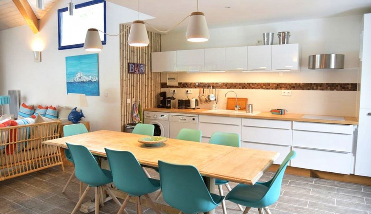 stylish-walk-to-beach-villa-with-pool-moliets-plage-kitchen