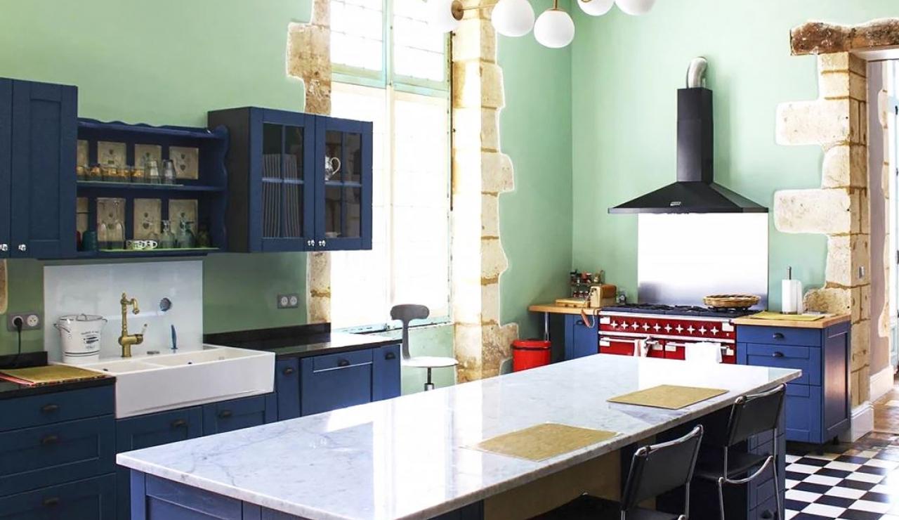 chateau-de-la-forge-kitchen