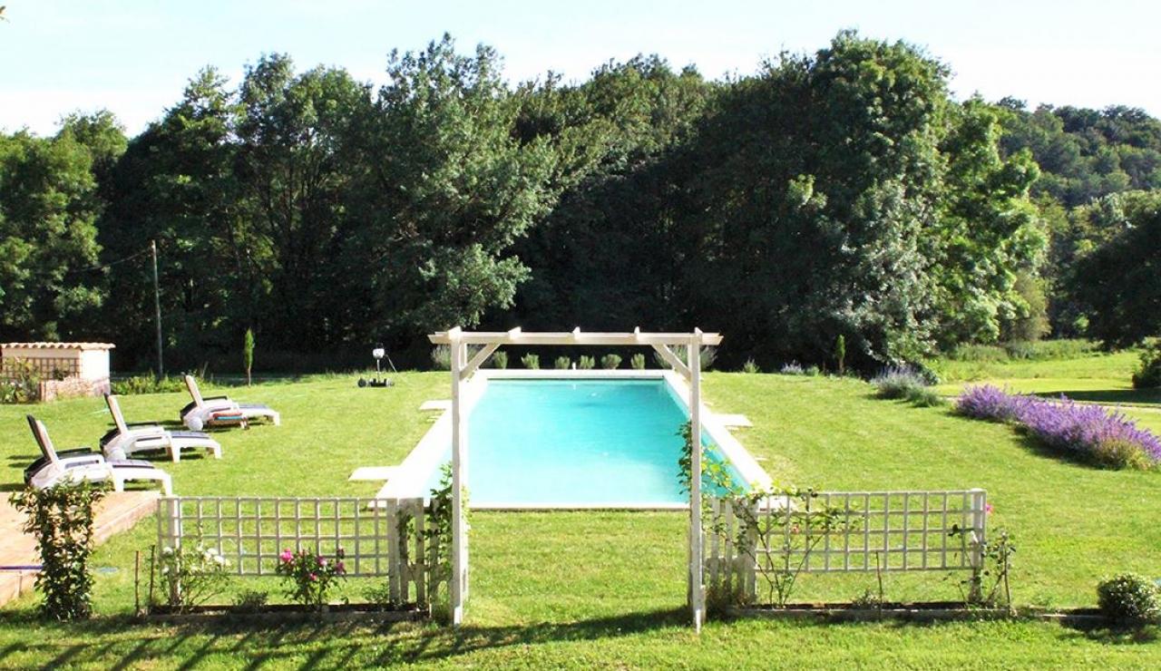 chateau-de-la-forge-pool-garden