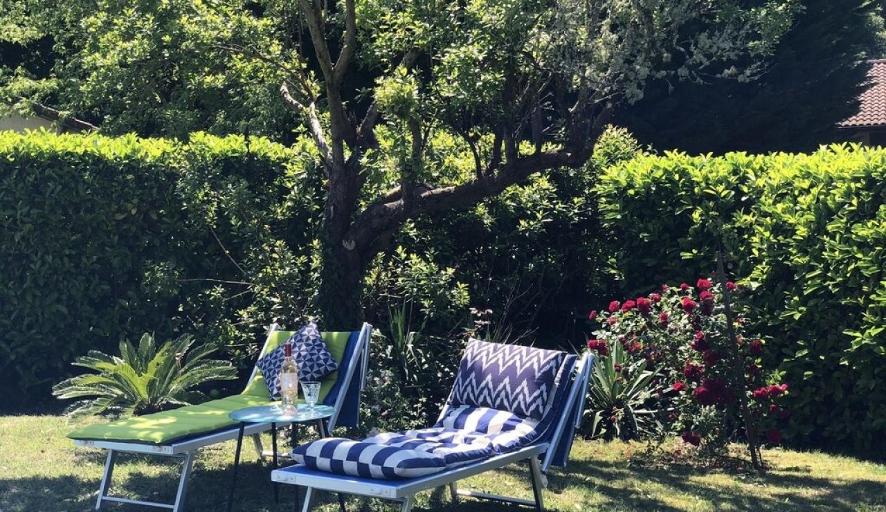 landes-villa-heated-pool-shade