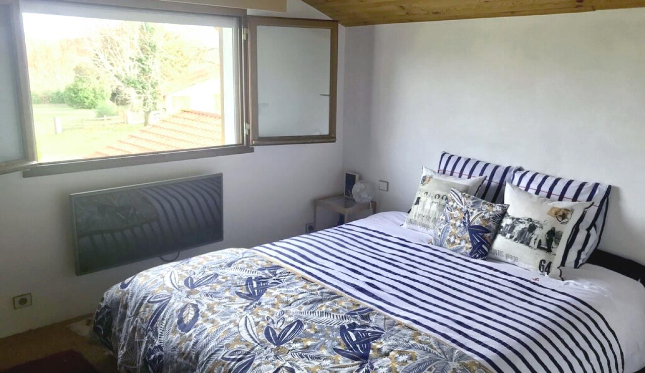 landes-villa-heated-pool-bedroom-2
