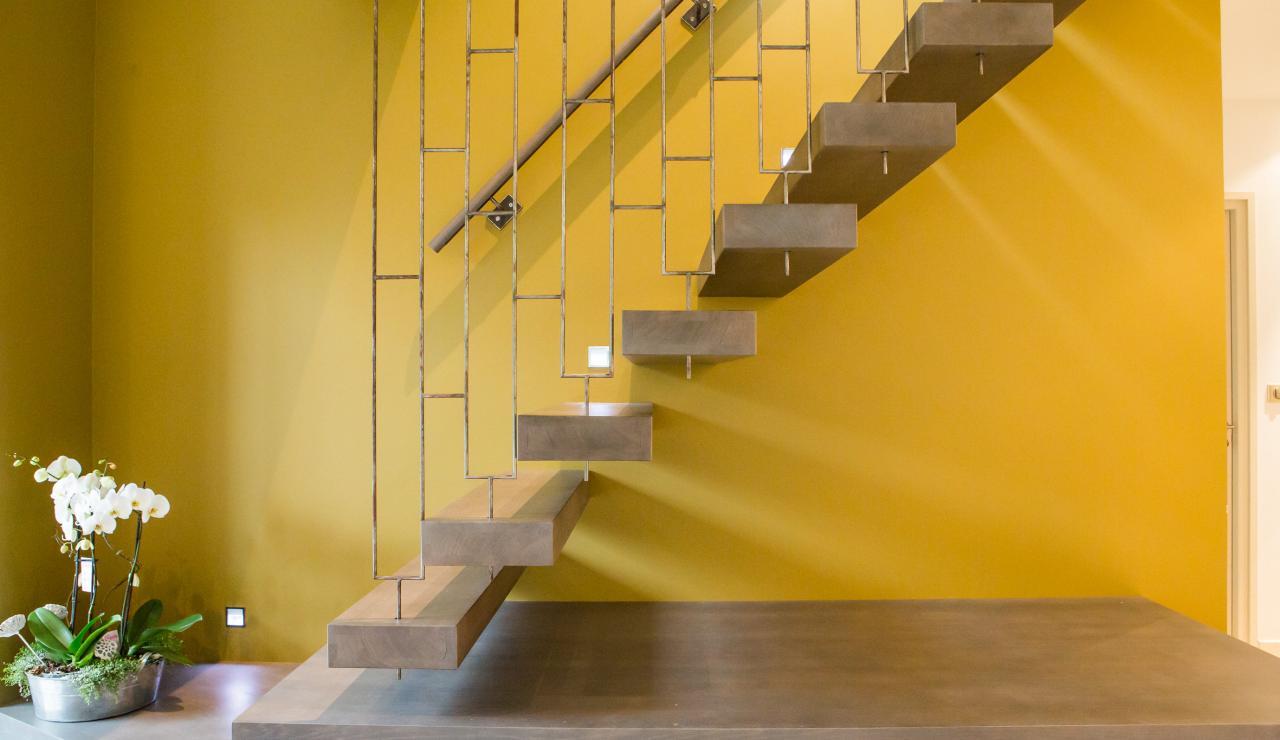 089 Maison Tarisse stairs