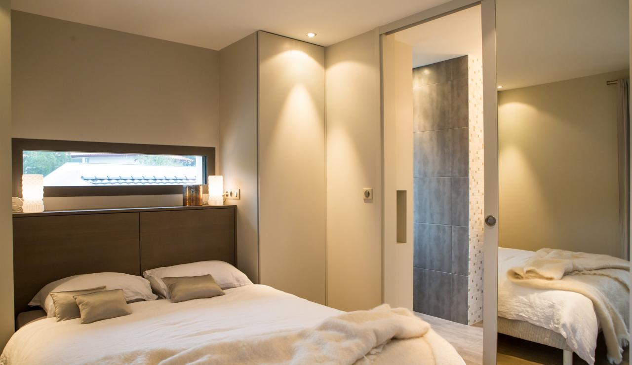 089 Maison Tarisse bedroom