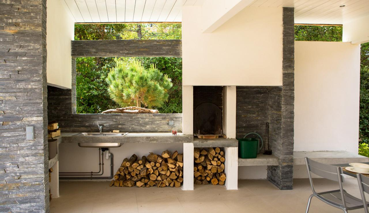089 Maison Tarisse wood fire