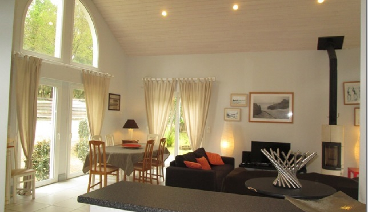 biscarrosse-villa-with-pool-living-dining