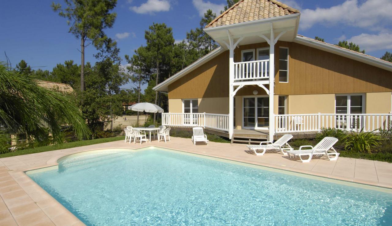 lacanau-villa-exterior