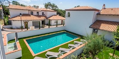 Villas with shared pool France